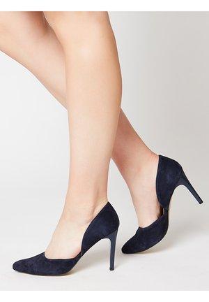 FEMININER VELOURSLEDER PUMPS - High heels - blau