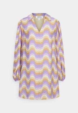 BERKLEY DRESS - Day dress - lilac wavy stripe