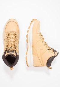 Nike Sportswear - MANOA - Lace-up ankle boots - beige / marron - 1