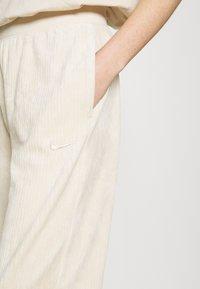 Nike Sportswear - PANT - Pantalon de survêtement - oatmeal - 4