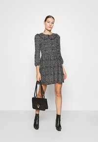 Dorothy Perkins - COLLAR FIT AND FLARE - Day dress - black - 1