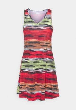 MILLIS - Jersey dress - red
