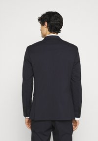 Selected Homme - SLHSLIM MYLOLOGAN CROP SUIT - Suit - navy blazer - 3