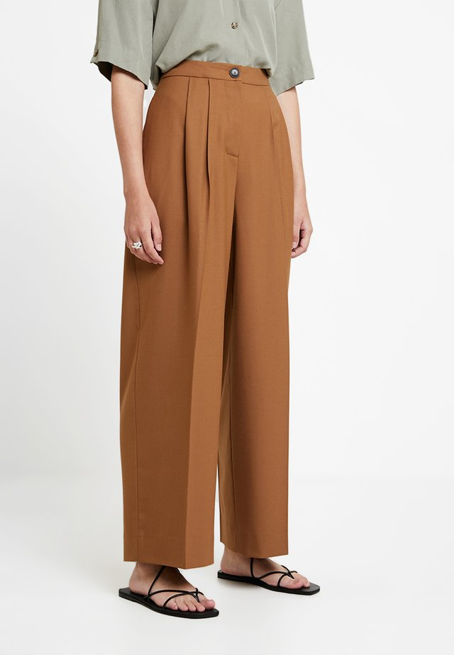 ZAL TROUSERS - Pantaloni - rubber