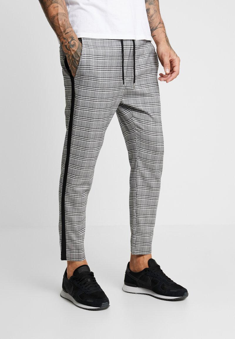 Only & Sons - ONSLINUS CROPPED CHECK TAPE PANT - Bukser - medium grey melange