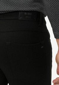 BRAX - STYLE CHRIS - Trousers - black - 3
