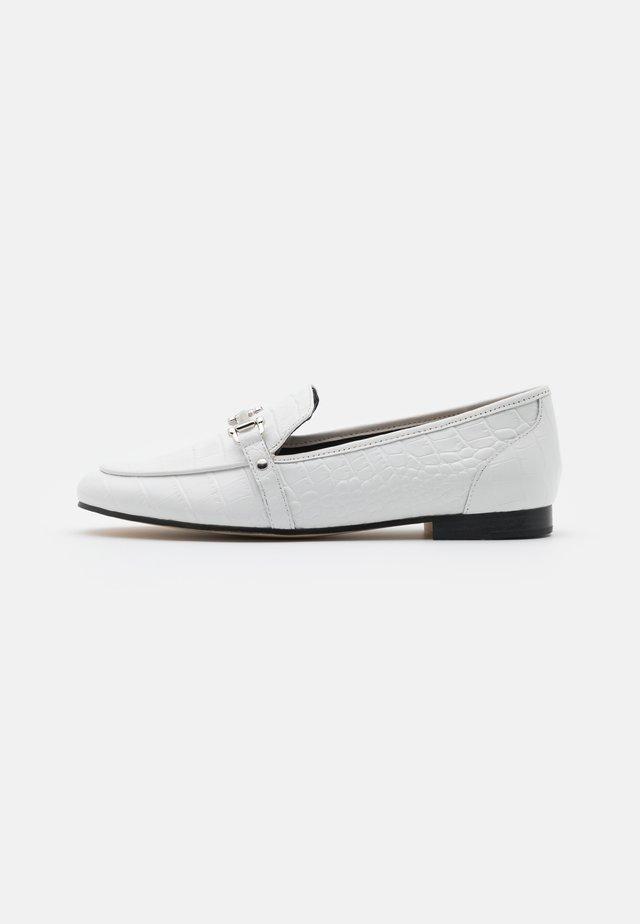 ASTAWIA - Slip-ons - white
