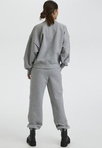 Gestuz - Tracksuit bottoms - light grey melange - 2