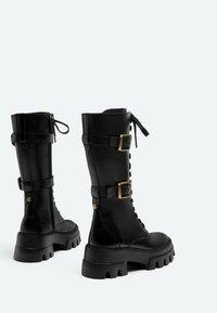 Uterqüe - Šněrovací vysoké boty - black - 2