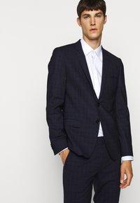 HUGO - ARTI HESTEN - Suit - blue/red check - 6