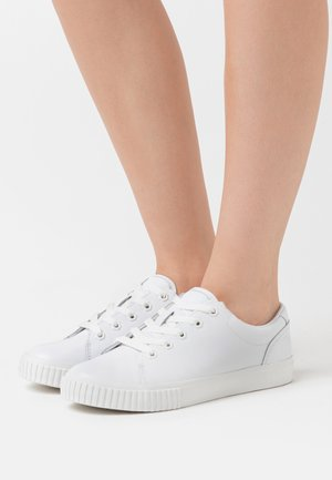 SKYLA BAY OXFORD - Sneakers laag - white
