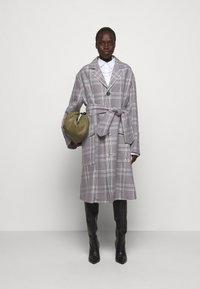Vivienne Westwood - COAT - Klasický kabát - multi - 1