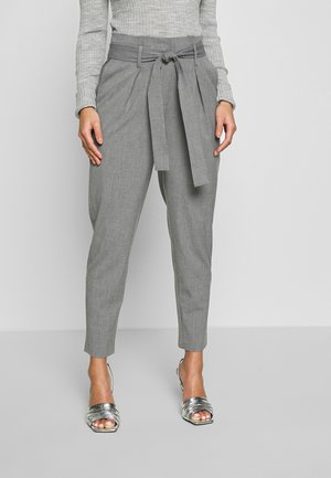 ONLNICOLE PAPERBAG ANKEL PANTS - Pantaloni - light grey melange