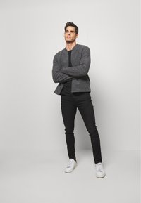 Superdry - 02 TRAVIS SKINNY NEW CODE NOS - Jeans Skinny Fit - berkeley black - 1