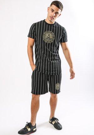 ROAR-TOUR-STRIPE SHORT - Shorts - black