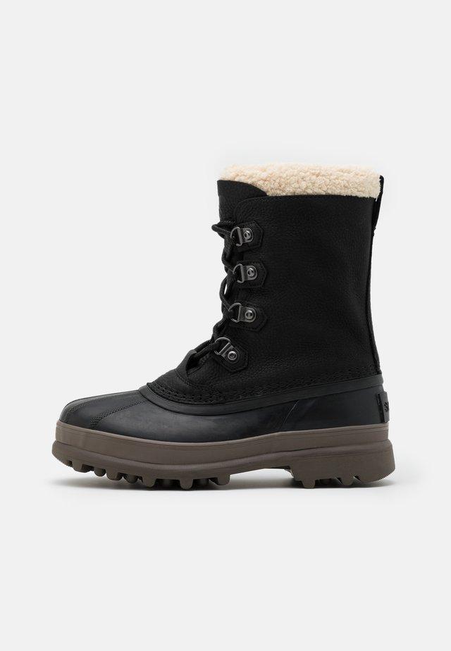 CARIBOU STACK WP - Śniegowce - black