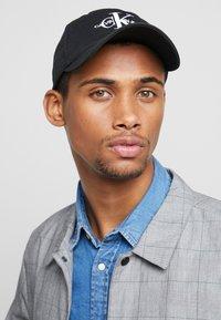 Calvin Klein Jeans - MONOGRAM  - Czapka z daszkiem - black - 1