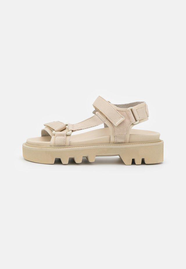 CANDY - Sandalen met plateauzool - beige