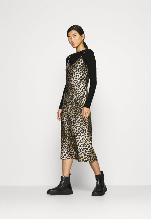 HERA LEPPO DRESS SET - Denní šaty - black