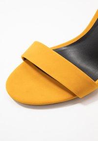 Call it Spring - TAYVIA  - Sandaler med høye hæler - dark yellow - 2