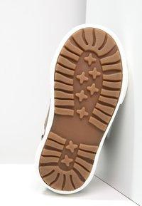 KangaROOS - KAVU - Sneakersy wysokie - dark brown/sand - 4