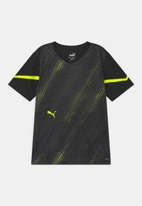 Puma - INDIVIDUAL FLASH UNISEX - Print T-shirt - puma black/yellow alert - 0