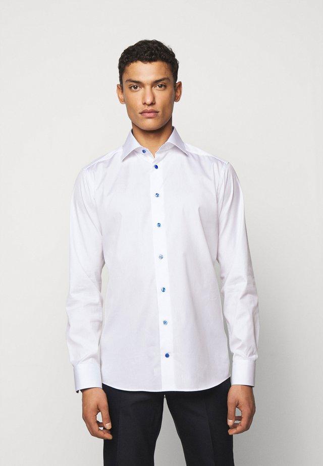 SLIM - Business skjorter - white