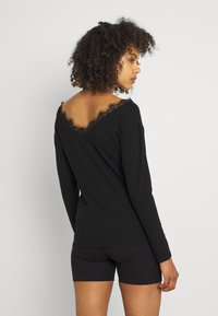 Nly by Nelly - EDGE - Long sleeved top - black - 2