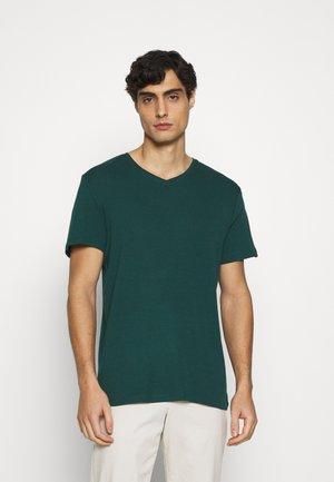 BASIC VNECK TEE - T-paita - stroke green