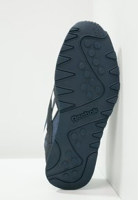 Reebok Classic - CLASSIC NYLON BREATHABLE LIGHTWEIGHT SHOES - Sneaker low - team navy/platinum - 5