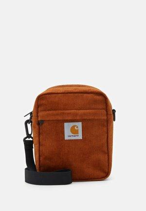 BAG SMALL - Across body bag - brandy