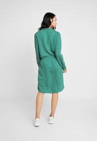 Re.draft - STRIPED DRESS - Robe chemise - cobalt green - 3