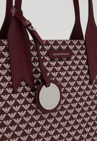 Emporio Armani - FRIDASHOPPING BAG - Handbag - vinaccia/perla - 3