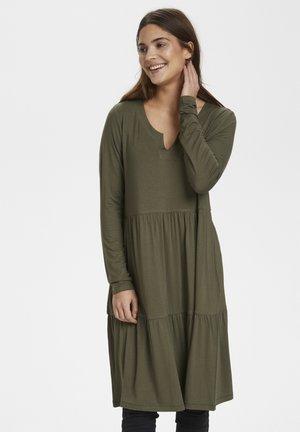 KAPETRA LS DRESS - Jersey dress - grape leaf
