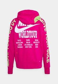Nike Sportswear - HOODIE - Huppari - fireberry - 7
