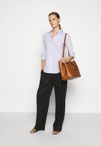Lauren Ralph Lauren - NON IRON SHIRT - Button-down blouse - white/blue - 1
