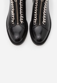 Billi Bi - Cowboy/biker ankle boot - black/silver - 4