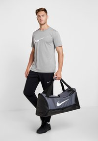 Nike Performance - DUFF - Sports bag - flint grey/black/white - 5