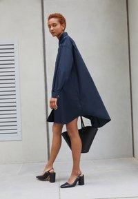 MM6 Maison Margiela - DRESS - Shirt dress - navy - 2