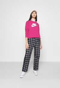 Nike Sportswear - CREW - Sweater - fireberry/white - 1
