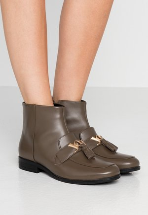 NURIA  - Ankle boots - mud
