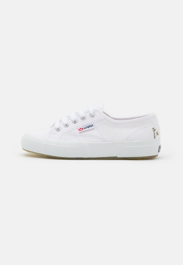 Trainers - white/grey/silver birch