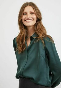 Vila - VIELLETTE - Button-down blouse - darkest spruce - 3