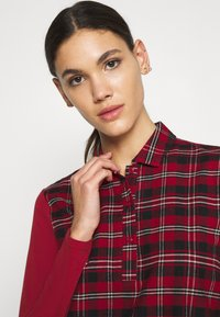 Skiny - Nightie - red check - 3