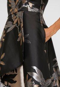 Adrianna Papell - SHORT DRESS - Juhlamekko - black/champagne - 7