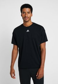 adidas Performance - 3STRIPES ATHLETICS SHORT SLEEVE TEE - Print T-shirt - black/white - 2