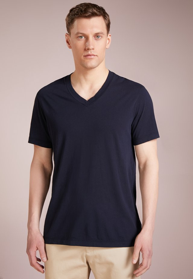 V-NECK TEE - Basic T-shirt - deep