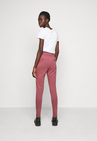 ONLY Tall - ONLPOPTRASH LIFE EASY PANT - Joggebukse - wild ginger - 2