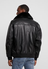 Oakwood - DADDY - Lederjacke - black - 2