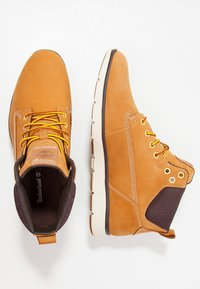 Timberland - KILLINGTON CHUKKA - Bottines à lacets - wheat - 2
